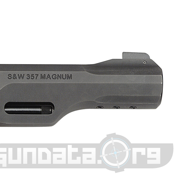 Smith and Wesson Model 327 TRR8 Photo 2