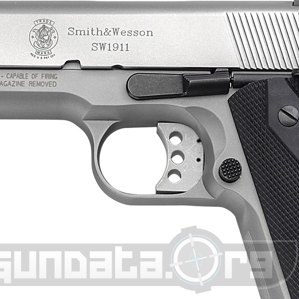 Smith and Wesson Model SW1911 Photo 4